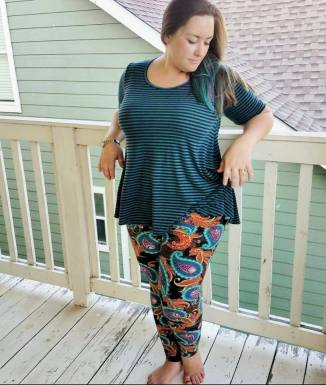 Perfect T and Leggings; a Fabulous pattern mix!